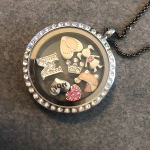 Origami Owl new mom pendant w/ 7 charms baby girl
